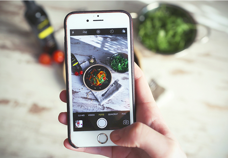 Tech vs. influencers: How much tech is actually necessary in the field of food influencers?